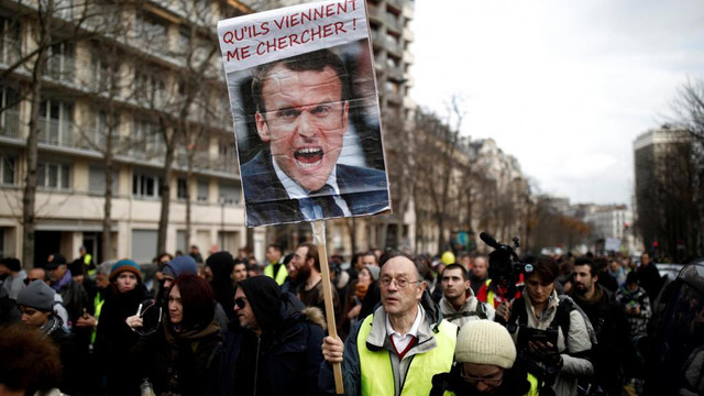 A 19-a zi de proteste | Linii de metrou închise la Paris, iar sistemul feroviar al Franței a rămas paralizat