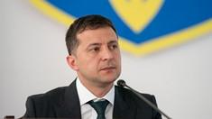 Volodimir Zelenski riscă o amendă pentru încălcarea restricțiilor antiepidemice după ce a fost fotografiat într-o cafenea
