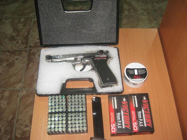 """Trecea vama cu pistolul în valiză, plină cu muniții. Cazul a fost înregistrat la postul vamal """"Costești"""""""