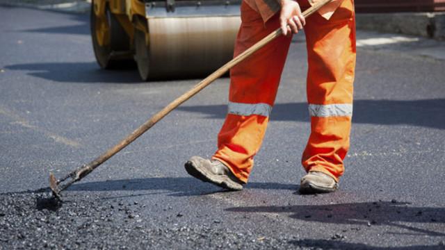 MEI susține că sute de kilometri de drumuri vor intra în reparație. Expert: Guvernul niciodată nu a reușit să contracteze suma de bani pe care și-a planificat-o