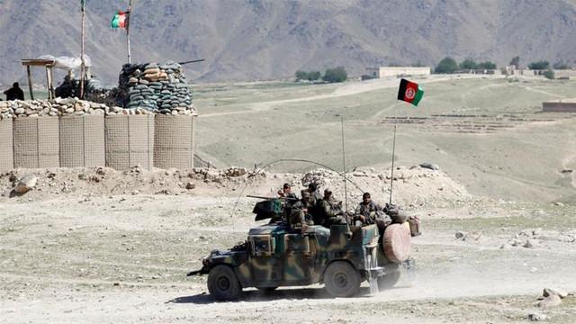 Controversă privind un avion de pasageri prăbușit în Afganistan. Compania care opera aparatul de zbor neagă că avionul i-ar aparține