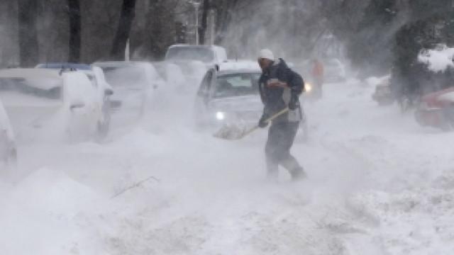 Peste 100 de victime, după ninsorile masive din Asia de Sud