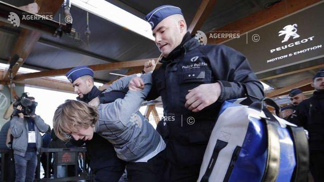 Clima: Proteste ale militanților Extinction Rebellion la salonul auto de la Bruxelles; Peste 100 de arestări