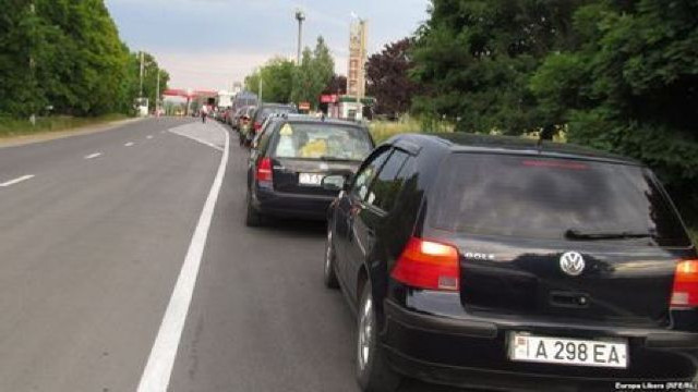 Automobilele înmatriculate în stânga Nistrului pot traversa frontiera moldo-ucraineană