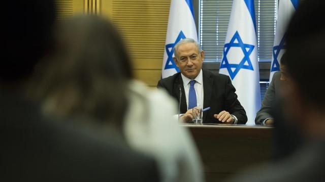 Israelul amenință că va răspunde cu o lovitură răsunătoare, în cazul unui atac iranian