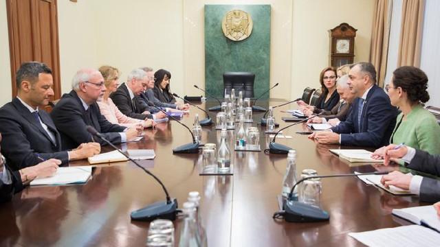 Guvernul a retras din parlament proiectul legii cu privire la avocatură
