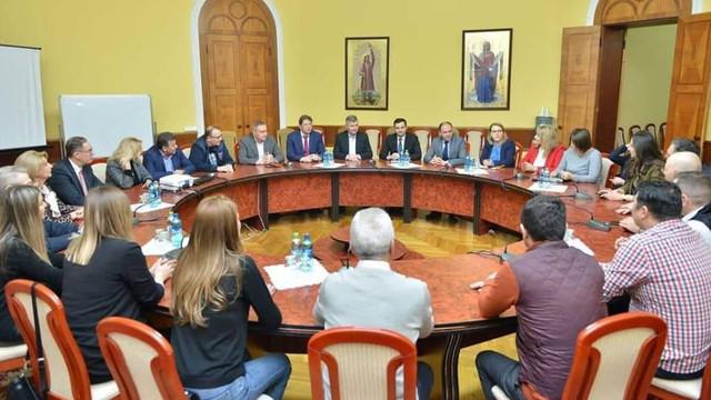O delegație a Consiliului General București, împreună cu Aurelian Bădulescu și 16 consilieri, se află în vizită la primăria Chișinău