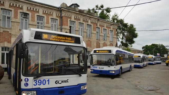 Anul trecut, aproape 100 de milioane de persoane au folosit transportul public