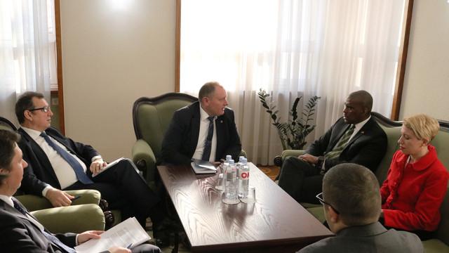 Prioritățile cooperării moldo-americane au fost discutate de către ministrul de Externe, Aureliu Coicoi cu ambasadorul SUA, Dereck J. Hogan