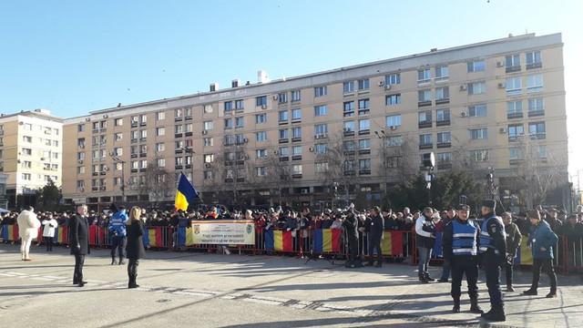 FOTO/VIDEO | Sute de persoane s-au adunat în Piața Unirii din Iași pentru a participa la manifestările dedicate zilei de 24 ianuarie