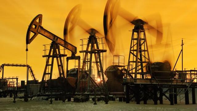 Prețul petrolului s-a prăbușit