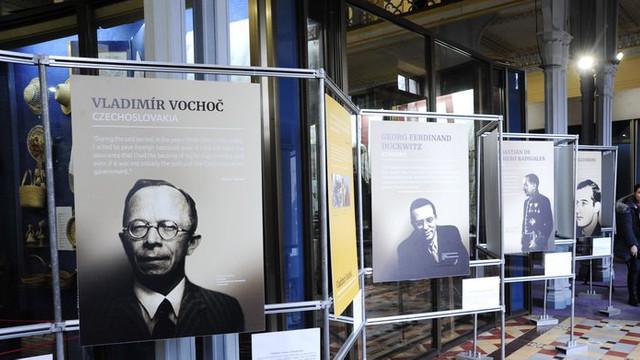 O expoziție dedicată salvatorilor jertfelor Holocaustului a fost inaugurată în Capitală