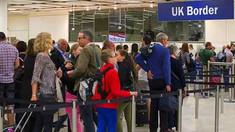 """Regatul Unit: Începând din 2021, regulile post-Brexit vor """"închide robinetul' pentru străinii slab calificaţi"""
