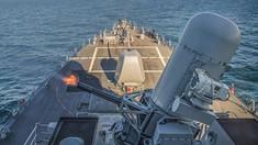 Un distrugător chinez a tras cu o armă tip laser într-un avion al armatei SUA
