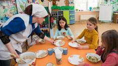 ANSA | În școlile și grădinițele din R.Moldova continuă să fie înregistrate nereguli în asigurarea alimentației copiilor