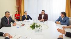 Premierul Chicu s-a întâlnit cu un grup de investitori români