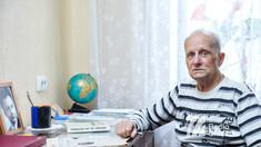 """RIDICAȚII – MĂRTURII DIN SIBERIA/  Victor Ghilaș: """"Eram mic, dar îmi amintesc cum l-au adus pe tata într-o cușcă de fier, ca pe un mare criminal""""  (AUDIO)"""