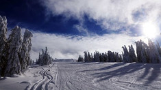 Locurile unde se mai poate schia în această săptămână. Starea pârtiilor în principalele staţiuni din România