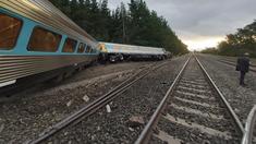 FOTO: Accident feroviar în Australia. Un tren cu 160 de persoane la bord a deraiat. Bilanţul morţilor