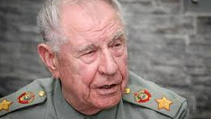 Mareşalul fostei Uniuni Sovietice, Dmitri Iazov, care a fost acuzat de înaltă trădare, a încetat din viaţă