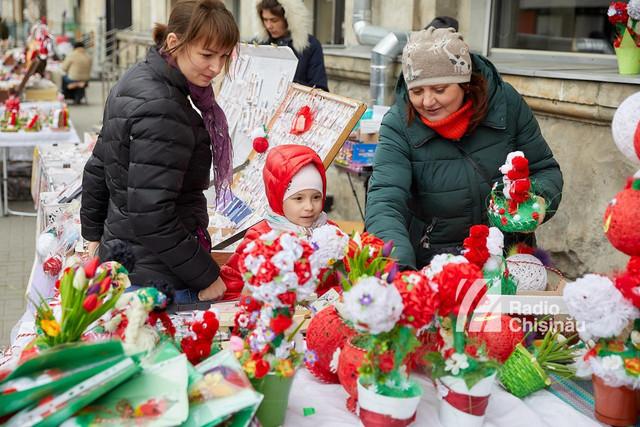 FOTO | GALERIE cu mărțișoarele de la tarabele din Chișinău