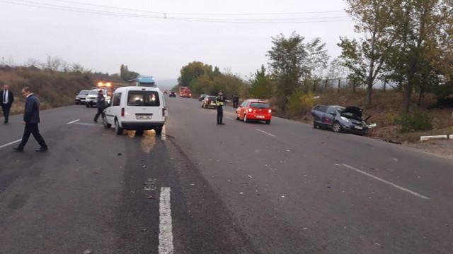 Accident rutier la Sîngerei. O șoferiță însărcinată în luna a șaptea, a adormit la volan și s-a trezit în șanț