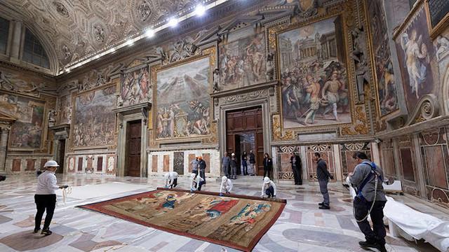 Cele 12 tapiserii ale lui Rafael s-au întors după cinci secole în Capela Sixtină