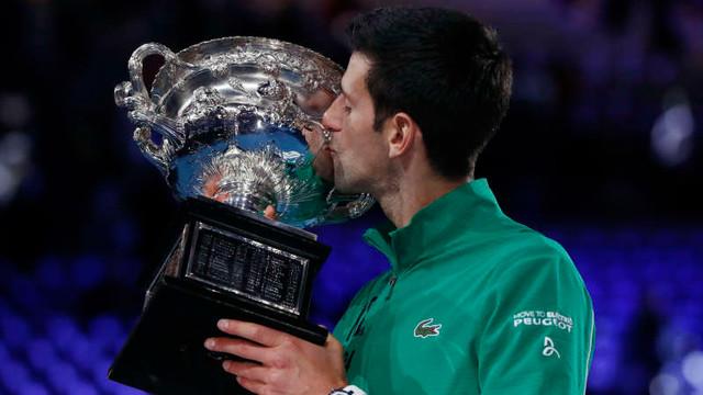 Tenis: Novak Djokovic a câştigat pentru a opta oară Australian Open