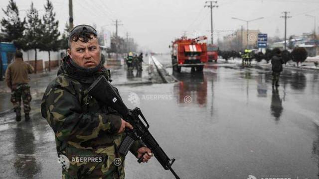 Afganistan: Cel puţin cinci morţi într-un atentat sinucigaş la intrarea în Academia Militară din Kabul