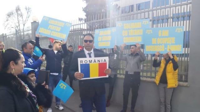 """România VIDEO. Ambasadorul Rusiei, întâmpinat cu proteste la Constanța: """"Plecați din Crimeea! Rușine!"""""""