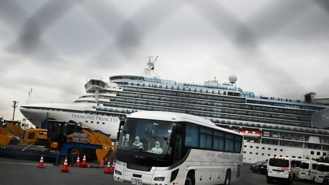 23 de pasageri au părăsit nava Diamond Princess fără a fi testați pentru coronavirus