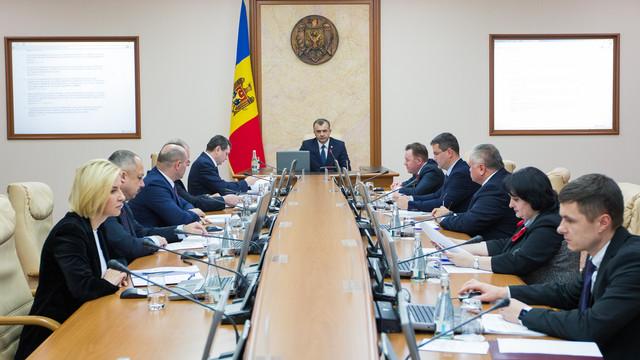 În aprilie, Guvernul va prezenta Parlamentului raportul de activitate