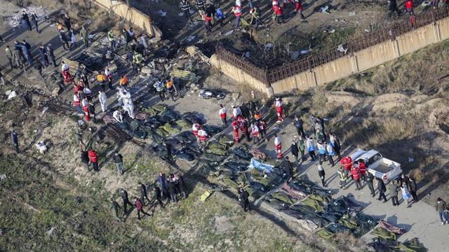 Cutia neagră a avionului ucrainean doborât este grav avariată, susține Iranul, refuzând predarea ei