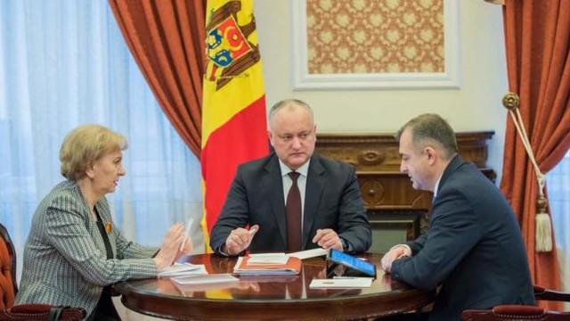 Analiză BalkanInsight   Occidentul și-a pierdut răbdarea față de guvernul pro-rus al R. Moldova