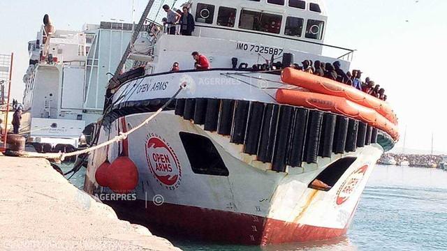 Nava de salvare Open Arms, cu 363 de migranți la bord, a primit permisiunea să andocheze în Sicilia