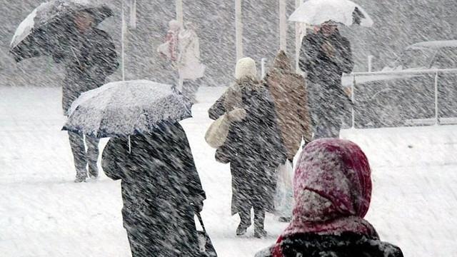 Salvatorii atenționează cetățenii în legătură cu emiterea codului portocaliu de ninsori și ploi