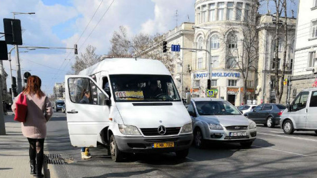 De aproape un an, o singură rută de microbuz își are itinerarul pe bd. Ștefan cel Mare