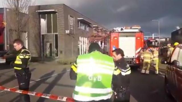 Explozii în Amsterdam. Poliţia suspectează că au fost puse colete capcană. Imagini de la faţa locului