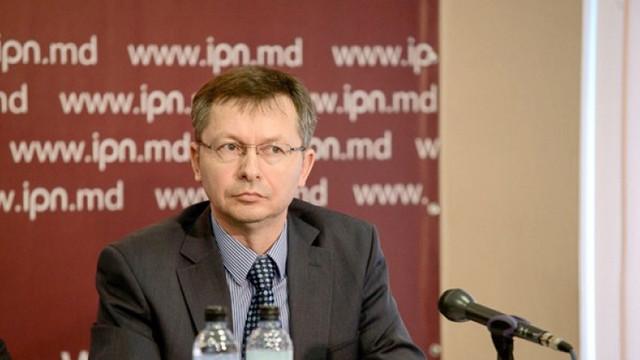 Veaceslav Negruță: BNM ar trebui să ia o poziție față de situația de la Victoriabank. Este nevoie de o delimitare clară între persoanele implicate în frauda bancară și investitorii de bună credință