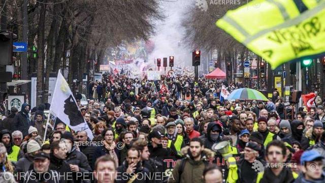 Poliţia franceză interzice manifestaţia pe care ''vestele galbene'' doreau să o desfăşoare sâmbătă la Paris