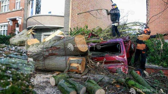 O furtună puternică a ucis cel puțin șapte persoane în Europa