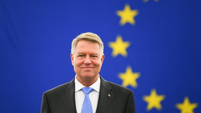 """Klaus Iohannis va primi Premiul Carol cel Mare. """"Noi, românii, noi, europenii, avem forța, capacitatea și știința pentru a moderniza în continuare proiectul european"""""""