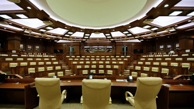 Parlamentul va examina astăzi un proiect de lege al lui Vlad Plahotniuc