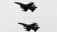 Aviația rusă din peninsula anexată Crimeea a simulat lovirea distrugătorului american Donald Cook prezent în Marea Neagră