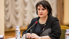 FOTO | Ministrul Sănătății, Viorica Dumbrăveanu, surprinsă într-un supermarket fără mască de protecție și mănuși, în plină pandemie COVID-19