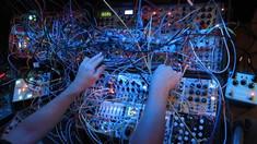 Fonograful de miercuri | De la modular la modular