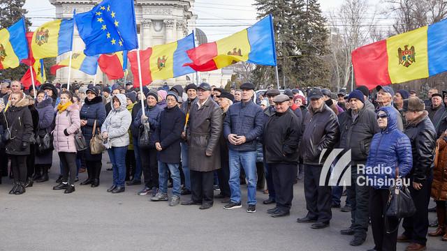 Veteranii protestatari au deblocat circulația în centrul Capitalei