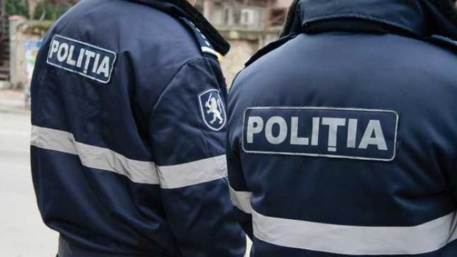 Polițiștii verifică cum sunt respectate interdicțiile privind activitatea unităților comerciale