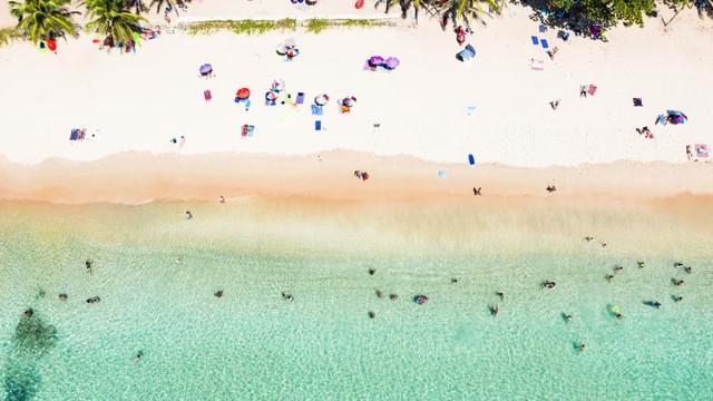 Un paradis exotic și-a închis plajele și se pregătește să-și închidă aeroporturile din cauza pandemiei de COVID-19