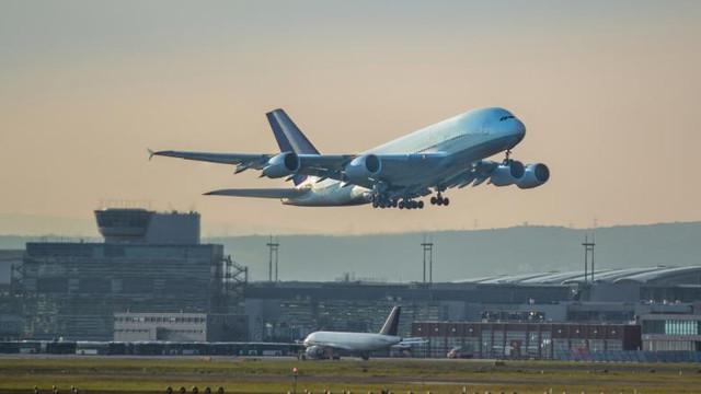 O companie aeriană a fost sancționată pentru că a adus la Chișinău doi cetățeni ai Ucranei